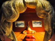 菲盖尔, SPAIN-AUGUST 6 :梅・蕙丝屋子在8月6,2009的大理剧院在菲盖尔。 免版税库存照片