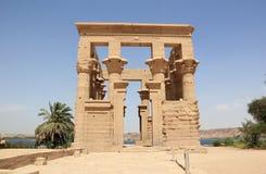 菲莱Trajan的报亭 菲莱寺庙,在Agilkia海岛上 库存照片
