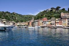 菲诺港全景,意大利 免版税图库摄影