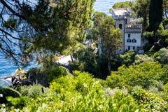 菲诺港是意大利渔村和度假村著名为它美丽如画的港口和历史协会与铈 免版税图库摄影