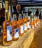 萍果汁待售在Frome星期天市场上,萨默塞特 库存照片