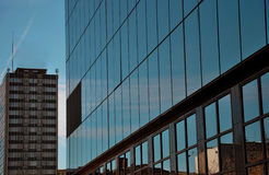 营业所玻璃大厦 免版税图库摄影