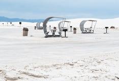 营地和野餐区,白色沙子 库存照片