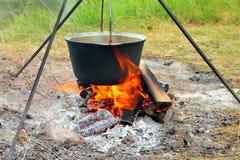 营火水壶 库存图片