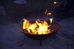 营火面包开火 免版税图库摄影