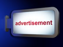 营销概念:在广告牌背景的广告 库存图片