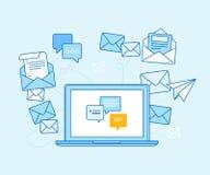 给营销概念-有邮寄的app膝上型计算机发电子邮件 免版税库存照片