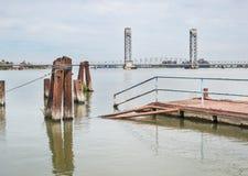 萨克拉门托河三角洲桥梁 免版税图库摄影