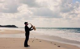 萨克斯管吹奏者 库存照片