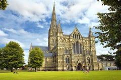 萨利大教堂在英国 免版税库存图片