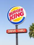 萨加门多,美国- 9月13日:汉堡王在Septemb的杆标志 库存照片