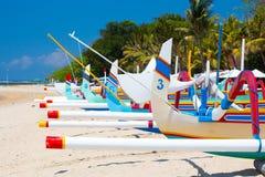 萨努尔海滩场面 库存图片