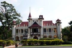 萨娜姆Chandra -泰国的老宫殿 免版税图库摄影