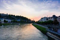 从萨尔察赫河河的日落视图 免版税库存照片