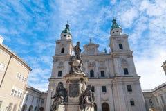 萨尔茨堡主教座堂外部圆顶视图  免版税图库摄影