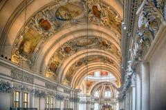 萨尔茨堡主教座堂的教堂中殿 图库摄影