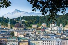 萨尔茨堡全视图从Kapuzinerberg观点,奥地利 免版税库存图片