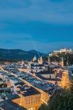 萨尔茨堡全视图如被看见从Mönchsberg观点, Austri 免版税图库摄影