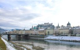 萨尔茨堡在冬天 免版税库存照片
