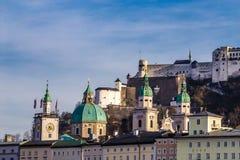 萨尔茨堡地平线和Hohensalzburg堡垒奥地利 库存图片