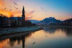萨尔茨堡地平线美丽的景色与Festung Hohensalzburg,奥地利的 免版税库存图片