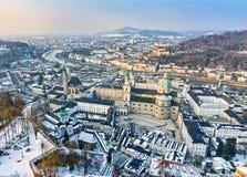 萨尔茨堡老城镇,奥地利鸟瞰图  免版税图库摄影