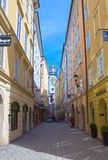 萨尔茨堡,奥地利- 2017年5月01日:老镇在萨尔茨堡,奥地利 库存图片