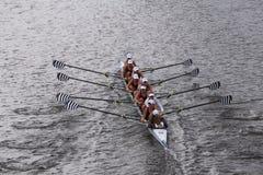萨拉托加在查尔斯赛船会妇女的青年时期Eights头赛跑  库存照片