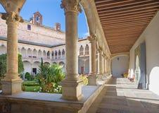 萨拉曼卡,西班牙, 2016年4月- 18日:Convento de las Duenas和大教堂心房  库存图片