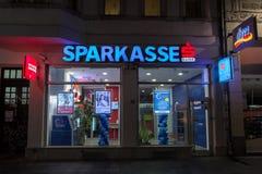 萨拉热窝,波黑- 2017年4月16日:一家Sparkasse银行办公室在波斯尼亚 Sparkasse是其中一家主要巴尔干银行 库存图片