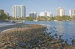 萨拉索塔都市风景和海湾 免版税图库摄影