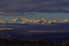 萨格勒布向西藏早晨太阳雪山 免版税图库摄影