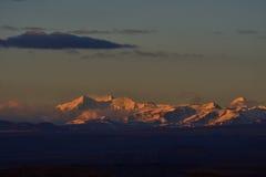 萨格勒布向西藏早晨太阳雪山 图库摄影