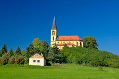 萨格勒布绿区田园诗教会 库存照片