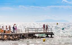 萨洛角,塔拉贡纳,西班牙- 2017年9月17日:肋前缘Dorada的海岸线的海景 复制文本的空间 图库摄影