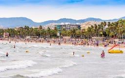 萨洛角,塔拉贡纳,西班牙- 2017年9月17日:肋前缘Dorada的海岸线的海景 复制文本的空间 免版税图库摄影