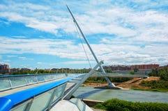 萨瓦格萨第三座千年桥梁在西班牙 免版税库存照片