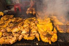 萨穆特Prakan,泰国- 2017年11月, 18日:烤鸡BB 免版税库存图片