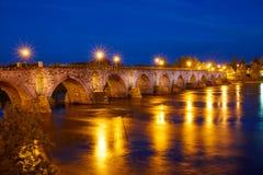 萨莫拉普恩特de彼德拉石头桥梁西班牙 免版税库存照片