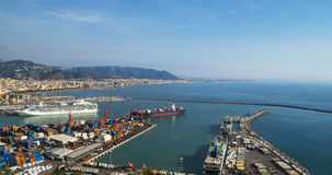 萨莱诺,意大利海湾,第勒尼安海和港口的 库存照片