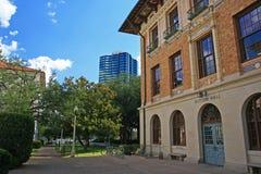 萨顿在德州大学的大厅大厦 免版税库存照片