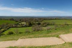 从萨默塞特英国Glastonbury小山的看法  免版税库存照片