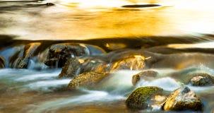 落下的小河 库存图片
