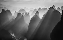 落日是光亮的在金黄河在桂林 库存图片