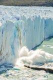 落的冰,佩里托莫雷诺冰川,阿根廷 库存照片