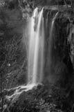 落的春天瀑布, Covington,弗吉尼亚 库存图片
