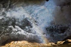 落的水在Raggaschlucht,克恩顿州,奥地利 库存照片