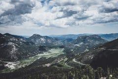 落矶山,洛矶山国家公园,科罗拉多,美国的风景多云风景 免版税库存照片