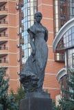 著名乌克兰作家Lesia Ukrainka的纪念碑 基辅 库存照片