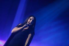 著名乌克兰歌手Jamala给了介绍她新的册页Podykh呼吸的一个音乐会 免版税库存图片